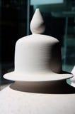 La parte superior del tarro de cerámica blanco grande Imagen de archivo