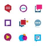 La parte y la interacción sociales de comunidad charlan el icono del mensaje de la burbuja del logotipo Imagenes de archivo