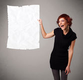 La participation de jeune fille a chiffonné l'espace de copie de livre blanc Images stock