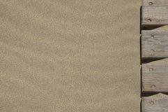 La passerelle dans le sable Image stock