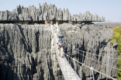 La passerelle dans Tsingy de Bemaraha Photos stock
