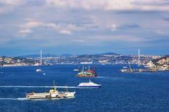 la passerelle de bosphorus de l'Asie connecte la dinde de l'Europe Istanbul Images libres de droits