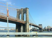 La passerelle de Brooklyn Image stock