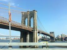 La passerelle de Brooklyn Image stock
