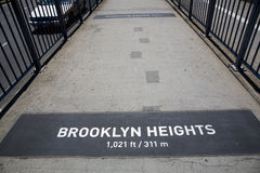 La passerelle de Brooklyn célèbre Photo libre de droits