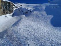 La pasta della neve con la stampa dello sci Immagini Stock Libere da Diritti