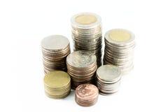 La pasta delle monete d'argento è nella linea come disciplina fotografia stock libera da diritti