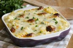 La pasta ed il formaggio cuociono fotografia stock libera da diritti