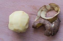 La patata cruda Fotos de archivo