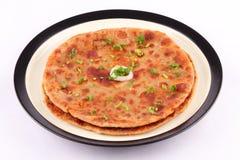 La patata e le spezie hanno riempito il paratha di Aloo Immagini Stock Libere da Diritti