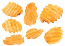 La patata ribbed i chip messi su bianco Immagini Stock Libere da Diritti