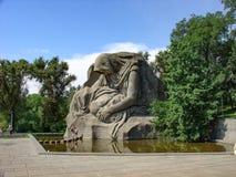 La patria della statua, complesso di Mamayev Kurgan, Volgograd, Russia immagine stock libera da diritti