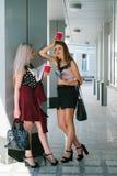 La pause-café partners le concept de travail de bureau d'amis Photo stock