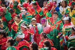 LA PAZ, BOLÍVIA - 11 DE FEVEREIRO DE 2018: Dançarinos no La Paz Carnival imagens de stock
