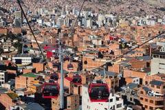 La Paz, Bolivia: 15 maggio 2016 Servizio della cabina di funivia Immagine Stock Libera da Diritti