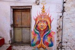 La peinture murale spirituelle de hippie coloré de l'esprit est Hoody images stock