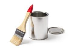 La peinture ouverte peut et une brosse avec un chemin de coupure Photo stock