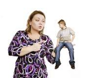 La pelea en la madre de la familia la regaña tan Imagen de archivo libre de regalías