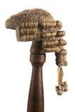 La peluca del juez aislado Imágenes de archivo libres de regalías