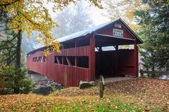 La Pensilvania Josiah Hess Covered Bridge immagini stock