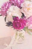 La peonia fiorisce la carta d'annata Fotografie Stock Libere da Diritti