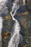 La pepita cae en el glaciar de Mendenhall Imágenes de archivo libres de regalías