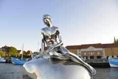 La pequeña estatua Dinamarca Helsingor de Merman foto de archivo libre de regalías