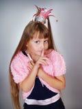 La pequeña muchacha hermosa es princesa Fotos de archivo