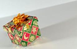 La pequeña Navidad del rectángulo de regalo Imagen de archivo libre de regalías