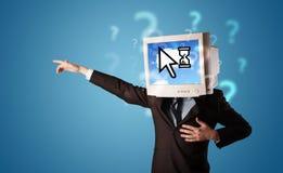 La persona con una testa e una nuvola del monitor ha basato la tecnologia sull'SCR Immagini Stock Libere da Diritti