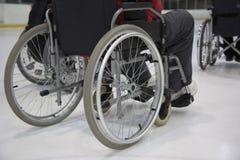 La persona invalida sulla sedia a rotelle Fotografia Stock Libera da Diritti