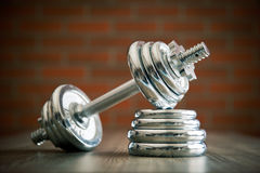 La pesa de gimnasia del hierro Imágenes de archivo libres de regalías