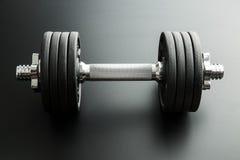 La pesa de gimnasia del metal fotos de archivo