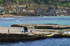 La pesca prepara el engranaje Imagenes de archivo