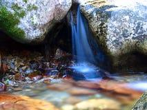 La petite cascade à écriture ligne par ligne, Idaho, Etats-Unis. Photos stock