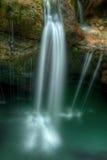 La petite cascade en rivière Soca se gorge dans les Alpes slovènes E central Photos libres de droits