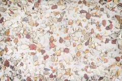 La petite nature multicolore colorée de plancher de gravier modèle la texture pour le fond, browm blanc et rouge photo libre de droits