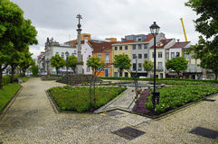 La petite place de roses Braga, Portugal Images libres de droits