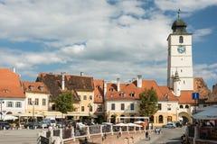 La petite place de Sibiu Photos stock