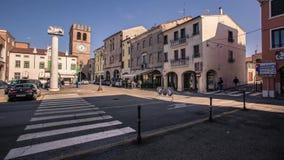 La petite rue ? c?t? de la Riviera Mazzini dans Lendinara banque de vidéos