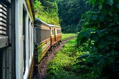 La photo était prise en dehors de du train Image stock