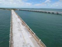 La photo aérienne de la vieille Floride verrouille le pont images stock