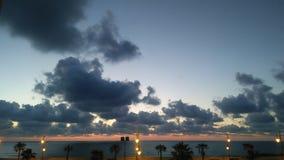 La photo de ciel et de soleil de l'Océan Atlantique Images stock