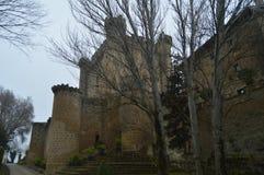 La photo du château supérieur de Sajazarra de remparts a spectaculairement préservé le tir latéral Architecture, art, histoire, v Photographie stock libre de droits