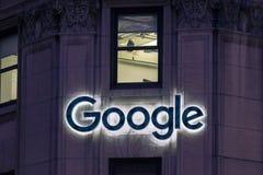 La photo du logo de Google sur Google siège à Montréal Image libre de droits