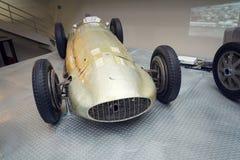 La photo filtrée de la voiture de course de Mercedes-Benz W154 Grand prix a conçu par Rudolf Uhlenhaut dans le musée technique na Photographie stock libre de droits