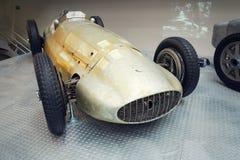 La photo filtrée de la voiture de course de Mercedes-Benz W154 Grand prix a conçu par Rudolf Uhlenhaut dans le musée technique na Image libre de droits