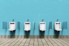 La pièce d'hommes avec les urinoirs blancs de porcelaine dans la ligne images libres de droits
