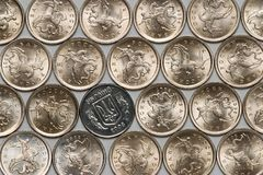 la pièce de monnaie invente l'Ukrainien russe photo libre de droits