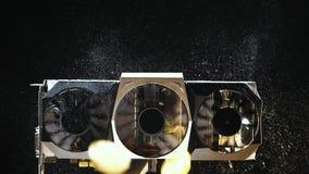 La pièce de monnaie de mouvement lent faite en tant que devise virtuelle tombe sur les refroidisseurs poussiéreux banque de vidéos